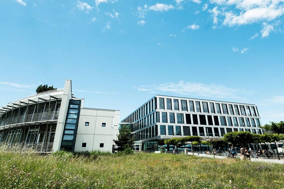 1440x960-EHL-campus