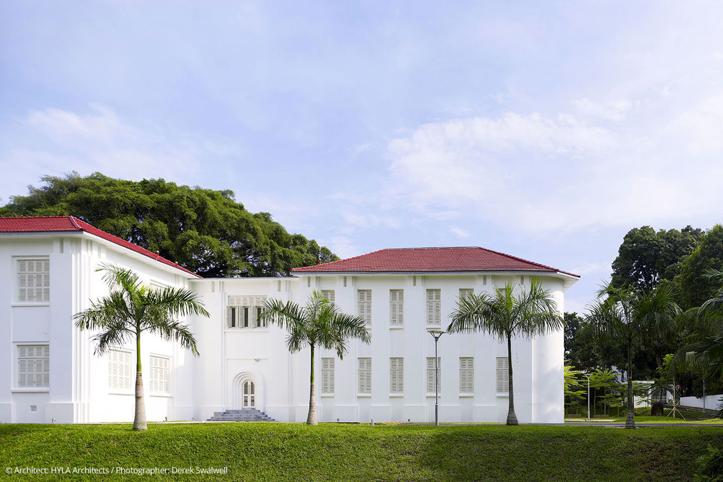 1440x960-ehl-campus-singapore-outside-1-copyright
